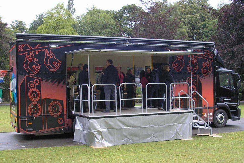 refurbisment of second hand exhibition trailers