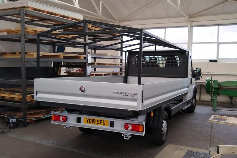 Commercial vehicle build