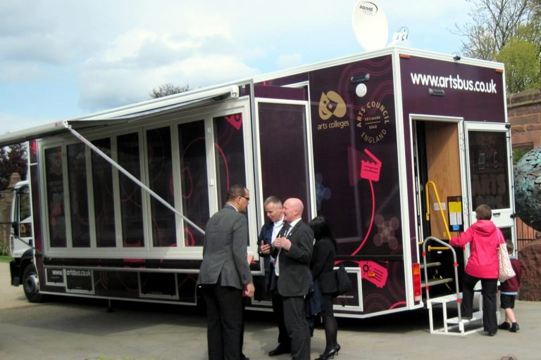 Exhibition vehicle, large