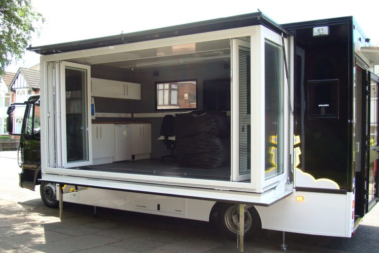 Extension pod on roadshow vehicle