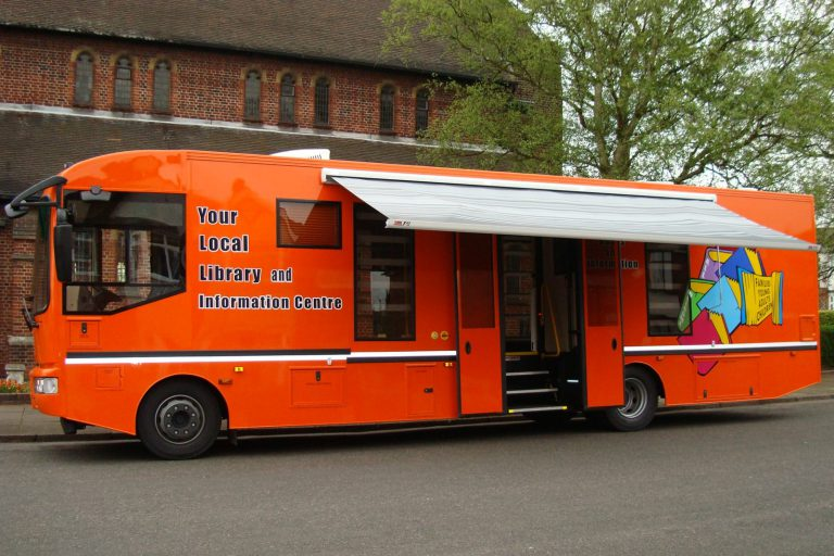 Mobile library nearside
