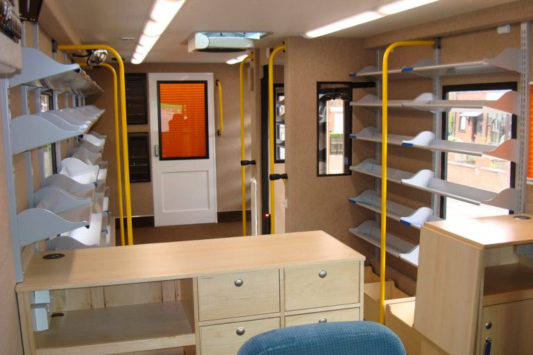 Mobile library shelving