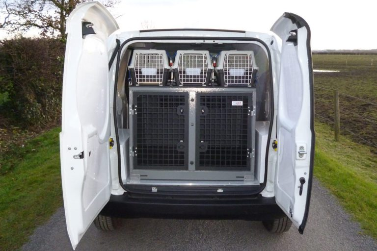 Animal ambulance rear cages